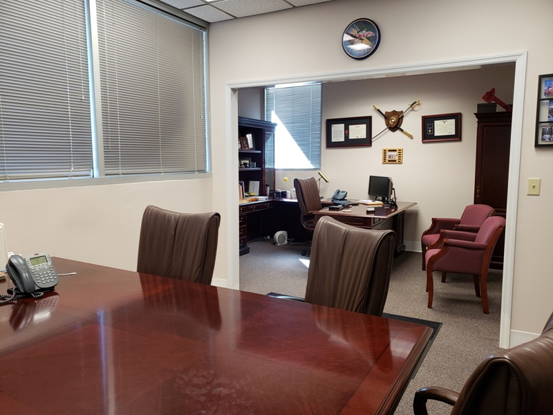 658-Discovery-executive-office-.jpg
