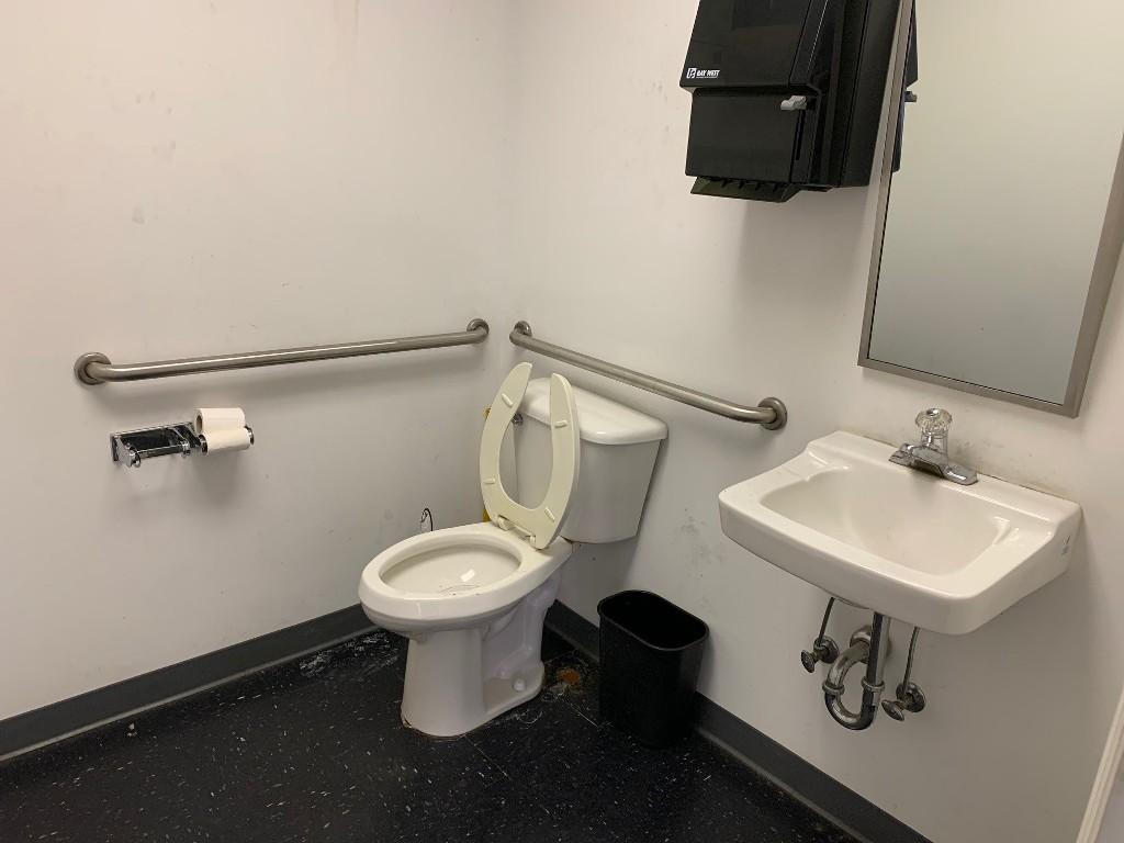 813-Memorial-Pkwy-Mr.-Transmission-restroom-2.jpg